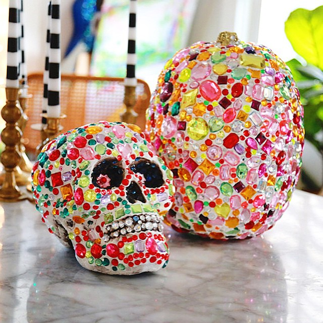 Its sparkletooth time! I made this skull and pumpkin forhellip