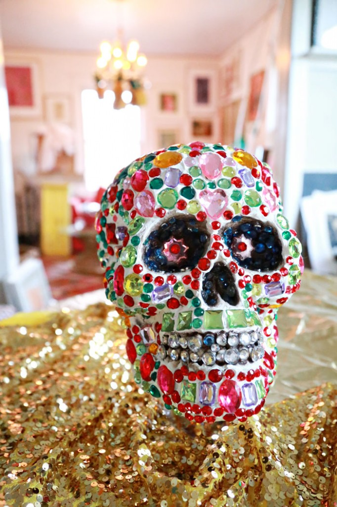 deco-den-crystal-craft-skull-700
