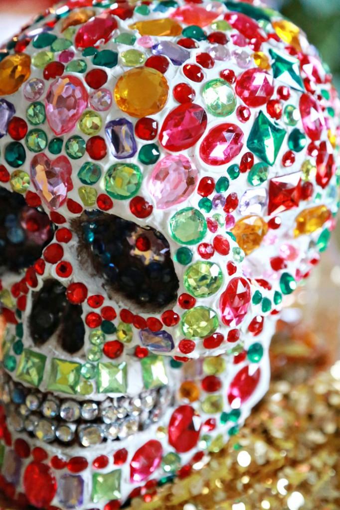 rhinestone-skull-deco-den-diy-700