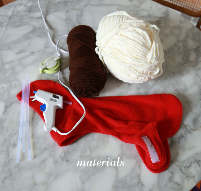 spaghetti-costume-yarn-dog-700-materials