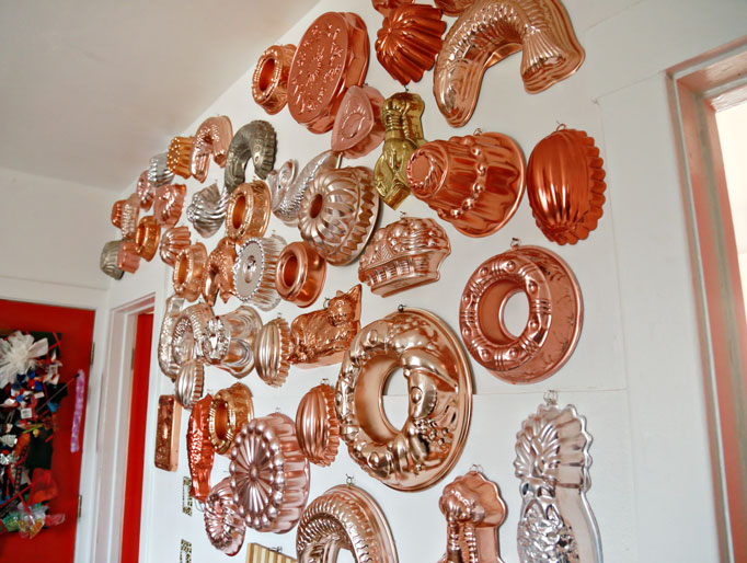 copper-moulds-wall-collection-aunt-peaches-682