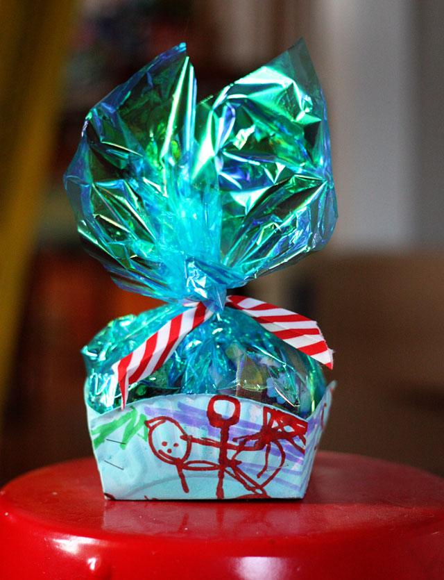 Gift Wrap ChallengePaper Plate Cookie BasketAunt Peaches