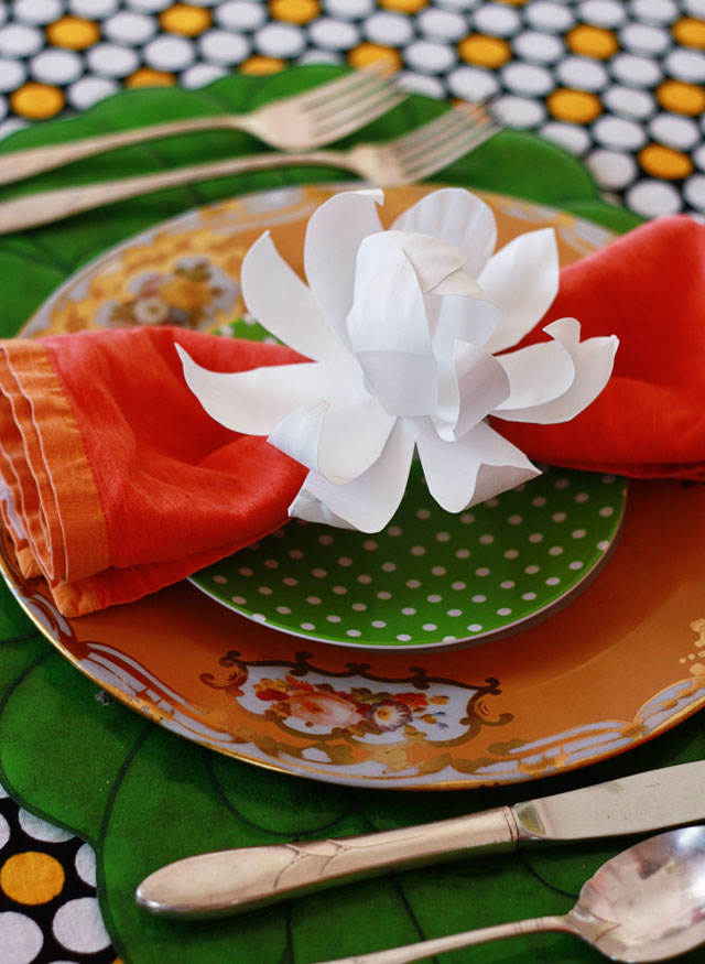 Friday flowers paper plate magnolias aunt peaches friday flowers paper plate magnolias mightylinksfo