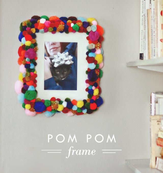 Pom Pom Frame - Aunt Peaches