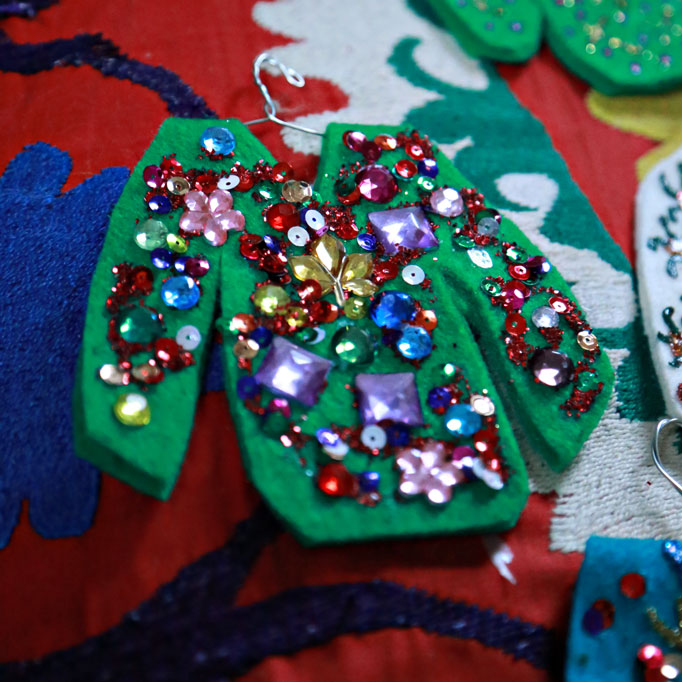 ugly christmas sweater ornaments - How To Decorate A Ugly Christmas Sweater