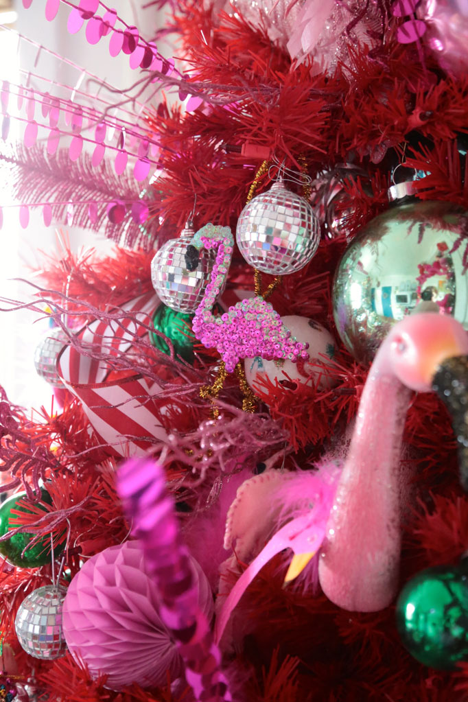 flamingo-ornaments-aunt-peaches-682
