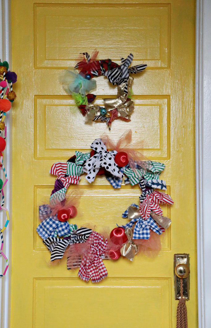 rag-wreath-yellow-door-682