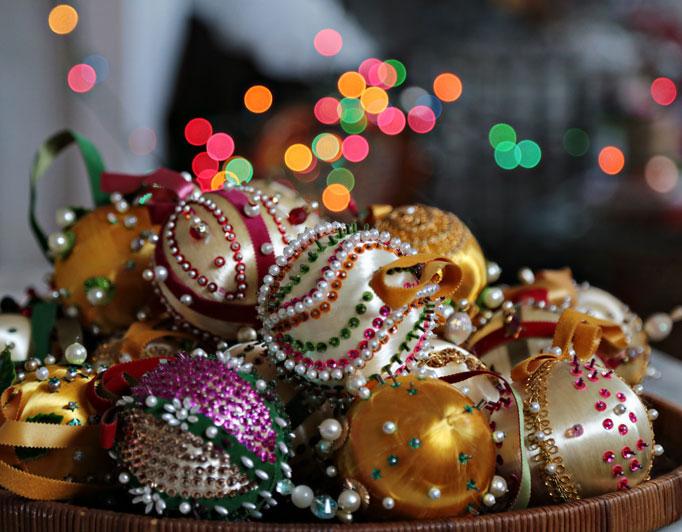 vintage-ornaments-satin-thread-dress-pins-682