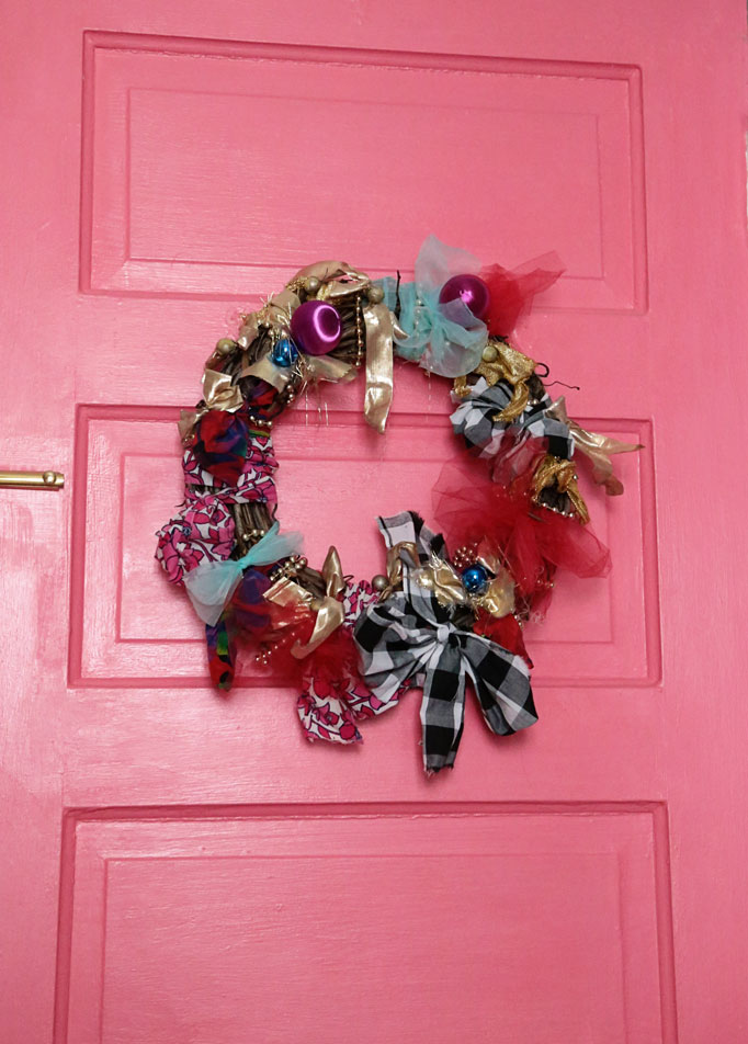 wreath-door-682