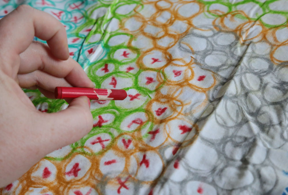 Do It Yourself House Drafting: Do-It-Yourself Home Textiles With Fabric Crayons