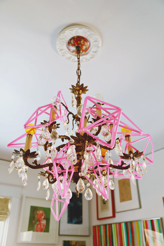 pink-straw-geometric-chandleier-ornaments-682