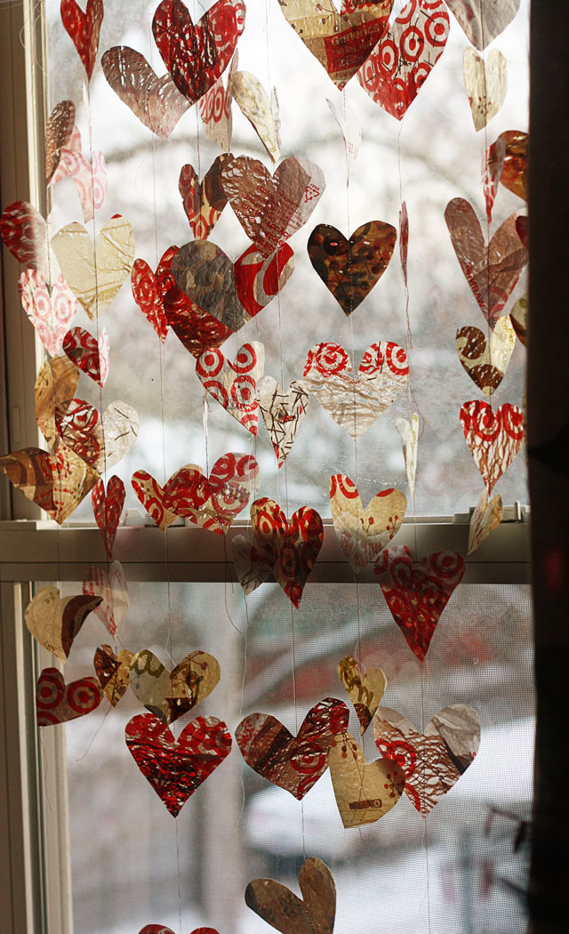 plastic-bag-heart-garland-640