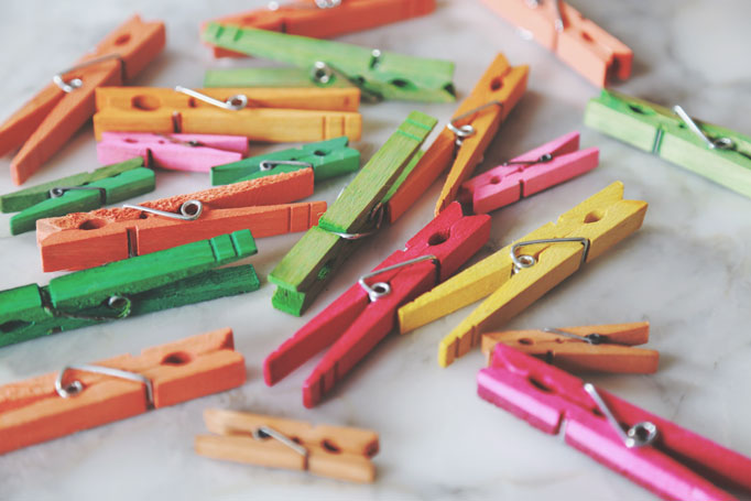 clothespins-colored-paas-dye