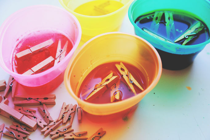 how-to-dye-clothespins