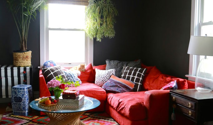 behr-cracked-pepper-black-paint-livingroom