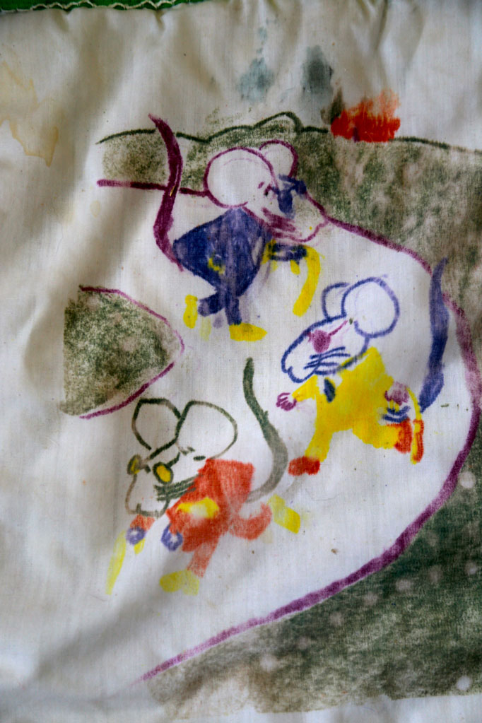drawing-quilt-iron-on-crayons