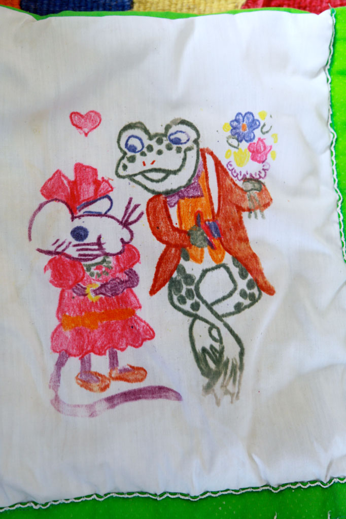 friggy-courtin-drawn-quilt