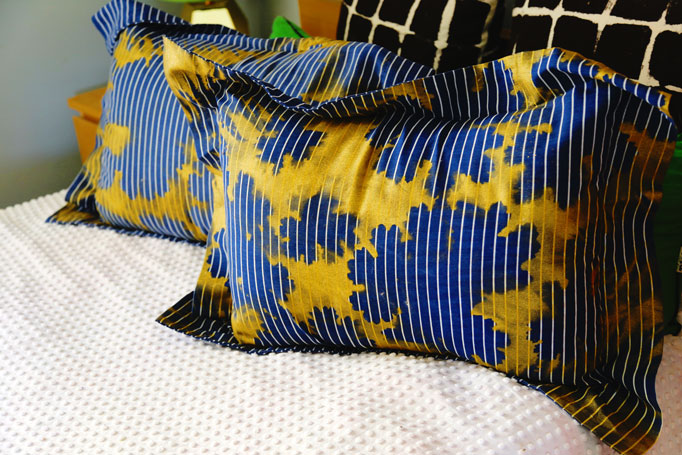 colorshot-pillows-plant-printing