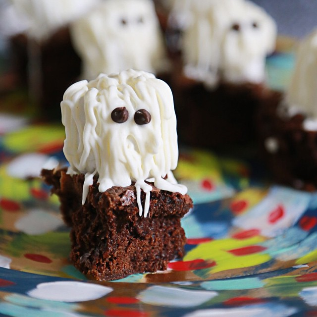 Espresso brownies with white chocolate marshmallow ghosts? YES PLEASE califiafarmshellip