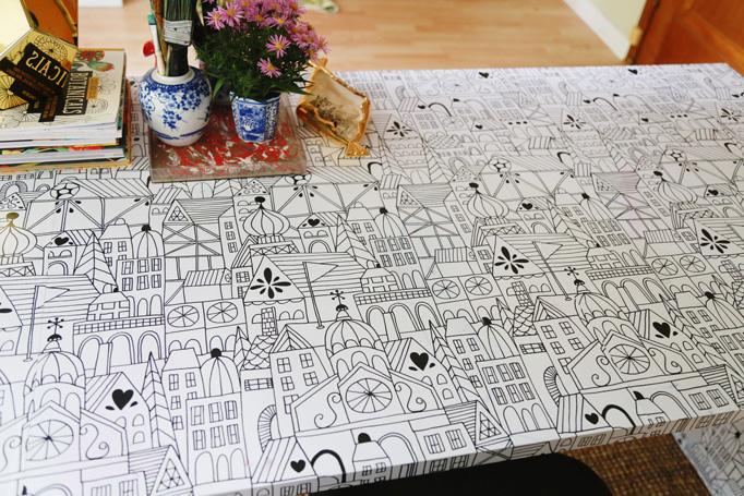 removeable-wallpaper-desk-aunt-peaches