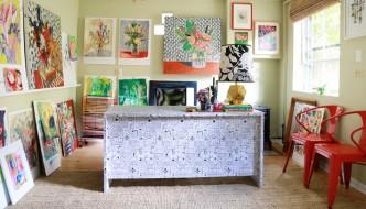 wallpaper-desk-chasing-paper-lisa-congdon
