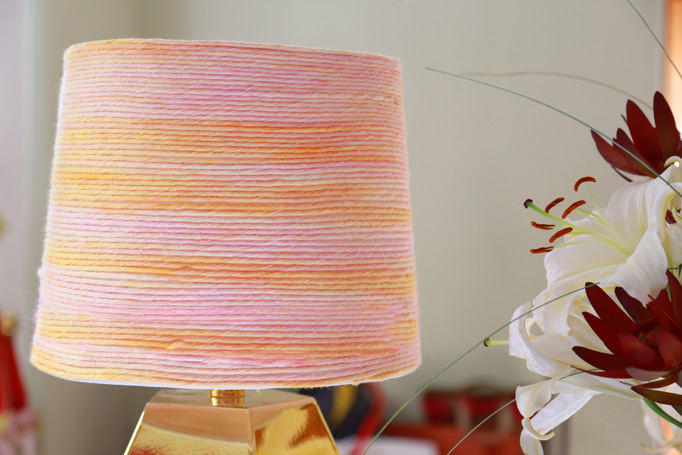 yarn-lamp-close-up