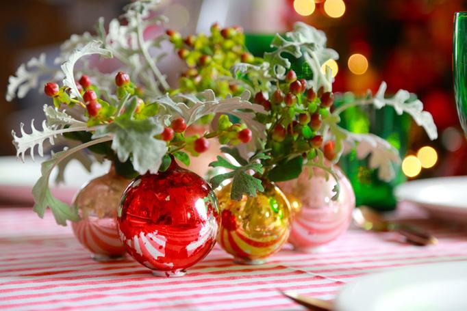 2-Ball-ornaments-wide