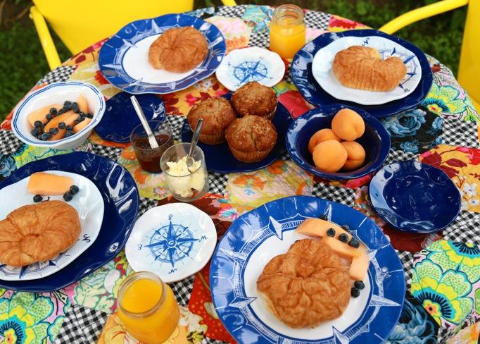 quilt buffet breakfast
