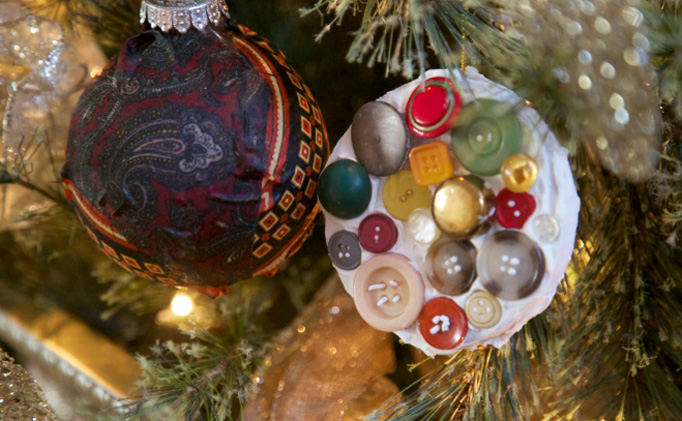 button-tie-ornaments